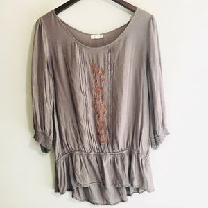 • floral embroidered lightweight flowy tunic •